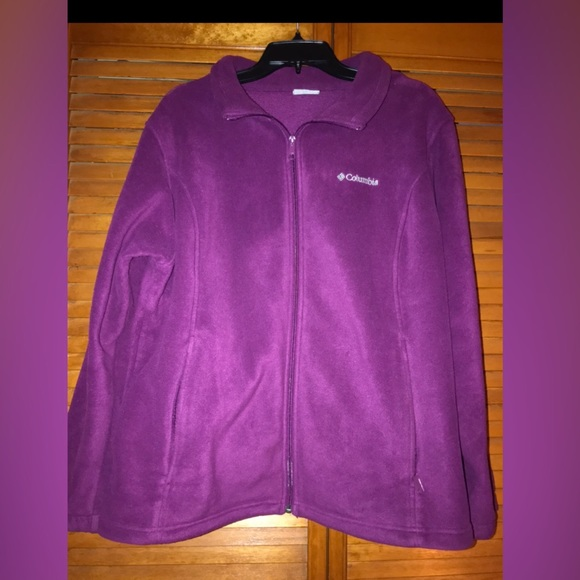 Woman's Columbia fleece